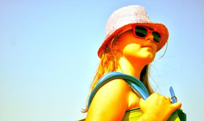 강한 자외선으로부터 눈을 보호하지 못하면 광각막염, 백내장, 황반변성 등 안질환이 발생할 수 있으므로 선글라스를 착용해주세요. - pixabay 제공