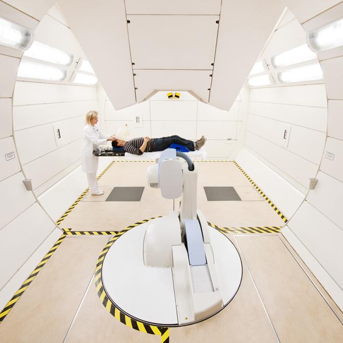 독일 하이델베르그 대학병원에 설치된 이온빔치료시설 - Heidelberg University Hospital 제공