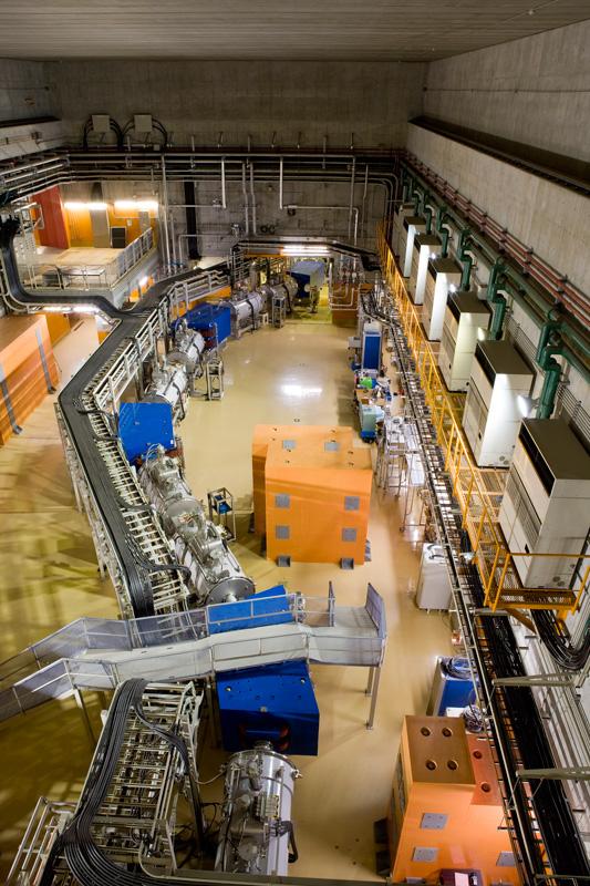 일본 이화학연구소(RIKEN)의 중이온가속기 - Nishina Center for Accelerator-Based Science 제공