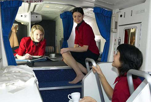 항공기 승무원들의 비밀 침실