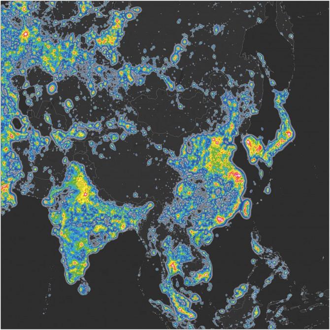 아시아 지역의 야간촬영 사진. 남한 지역과 일본, 중국 일부 지역이 유달리 빛 공해가 심한 모습을 보여준다. - 사이언스 어드밴시스 제공