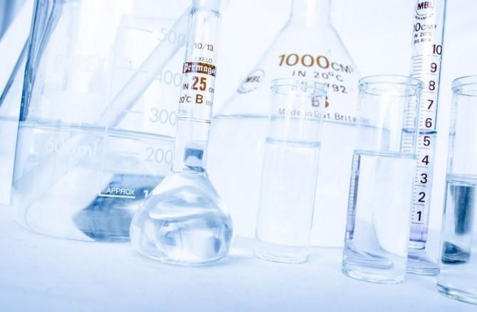 최근 가습기살균제 문제가 재조명되면서 일상생활에서 합성화합물이 포함된 제품을 쓰지 않으려는 사람들(노케미족)이 늘고 있다. - pixabay 제공