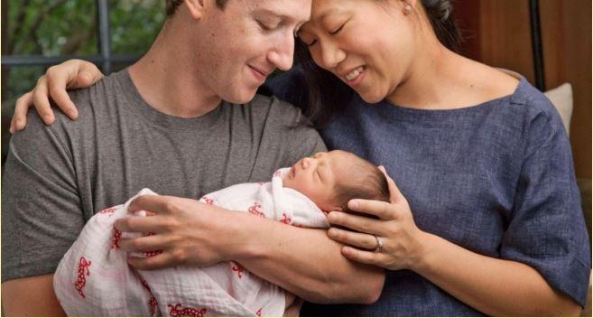 마크 저커버그 페이스북 CEO 부부가 새로 태어난 아이를 안고 있다. - 저커버그 페이스북 제공