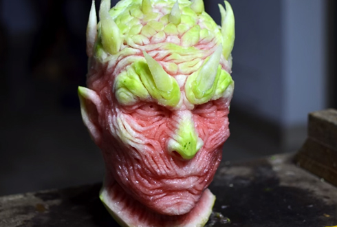 수박으로 조각한 좀비 대왕