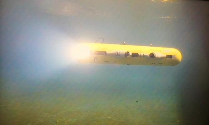 한국해양과학기술원 부설 선박해양플랜트연구소에서 개발한 수중 드론 '와이샤크2(yShark2)'. 와이샤크2는 초음파를 사용하는 '수중 내비게이션'을 탑재하고 있어 물속에서 자신의 위치를 파악할 수 있다. - 선박해양플랜트연구소 제공