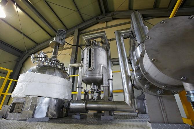 새롭게 개발한 '폐탈질촉매 순환시스템'의 모숩 - 유용자원재활용기술개발사업단 제공