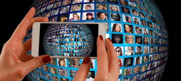 IT 기업들은 사용자 데이터를 분석해 신규 서비스 개발 및 마케팅 등에 활용하겨 하고 있다.  - pixabay 제공