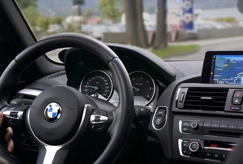운전 중 스마트폰, 뇌파가 조장한다?
