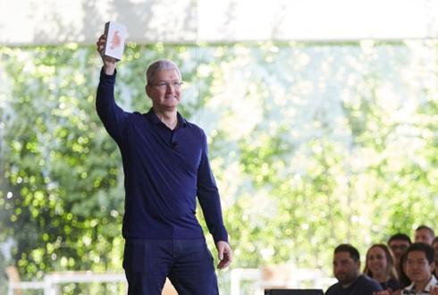 [캐치 업! 애플(6)] 10억대 팔린 이 제품...세상을 바꿨다