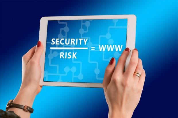 해킹 위험이 커지면서 암호를 더 복잡하게 만들고, 수시로 바꾸라고 요구하는 사이트가 늘고 있습니다.  - pixabay 제공