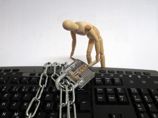 비밀번호를 자주 바꾸면 해킹으로부터 더 안전하다고요?