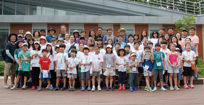 여름 캠프 참가자들이 모두 모여 찰칵! - 김은영 기자, 김정 기자 제공