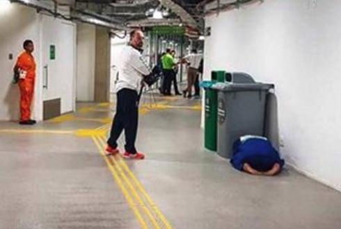 올림픽에서 패배한 선수, 마음 아픈 사진