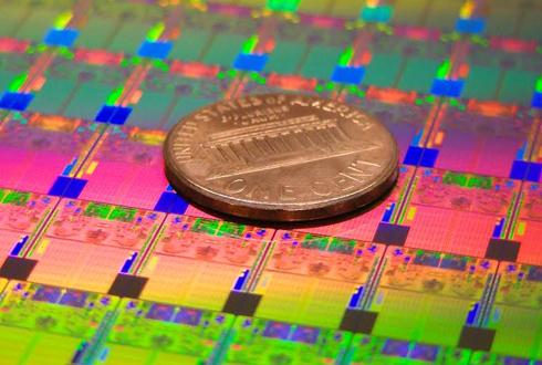 인텔은 왜 ARM 칩을 위탁생산하기로 했나