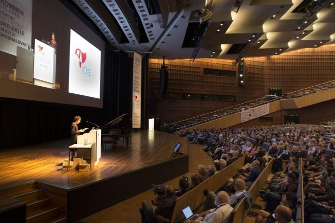 지난 7월 독일에서 국제수학교육자대회가 열렸다. 국제수학교육자대회는 4년마다 열리는 수학 교육 분야의 국제 행사로 수학 교육자들이 수학 교육에 대해 논의하는 자리다. - ICME-13 제공