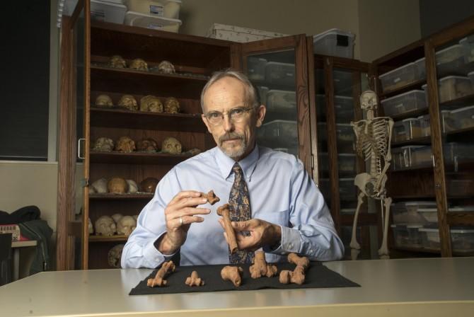 연구를 이끈 존 카펠만 교수의 모습 - 미국 오스틴 텍사스대 제공