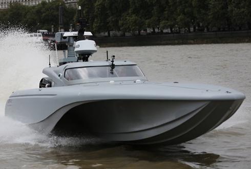 영국 해군의 무인 로봇 보트