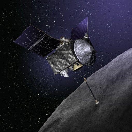 NASA의 소행성 탐사선 오시리스-렉스의 상상도. 오시리스-렉스는 로봇 팔을 이용해 소행성 표면의 토양 샘플을 채집해 지구로 귀환할 예정이다.