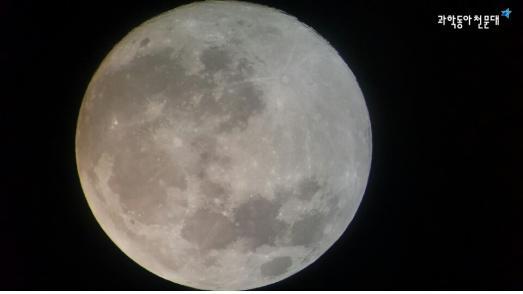 '한가위 보름달, 동양 서양에서 의미하는 보름달이란' - (주)동아사이언스 제공