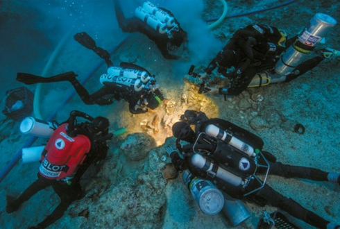 2000년 된 인간유골, 그리스 침몰선서 발견