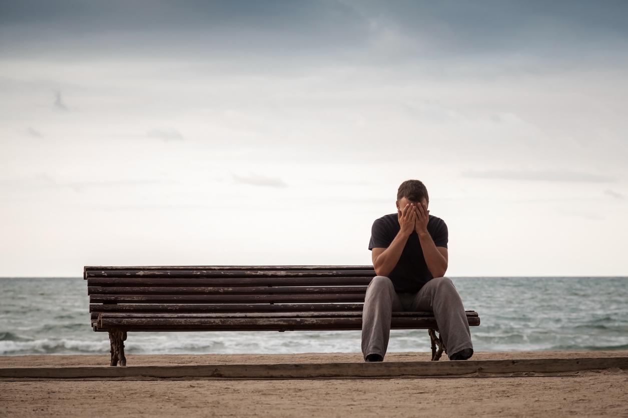 자신감이 부족한 사람들에게서 더 소중한 친구나 연인의 존재가 자아관 형성에 큰 영향을 준다. 티이미지뱅크 제공