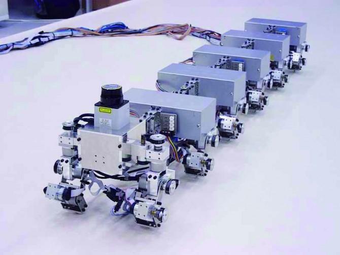 지네처럼 꿈틀대며 움직이는 로봇. - Kyoto University 제공