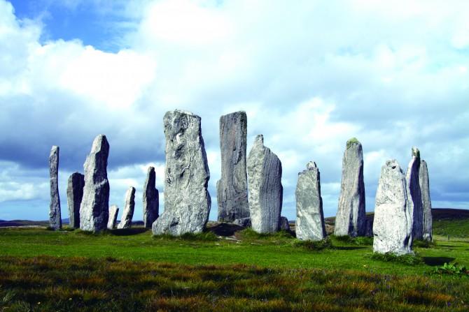 영국 스코틀랜드 루이스 섬에 있는 칼라니쉬 환상열석의 모습 - Chmee 2(w) 제공