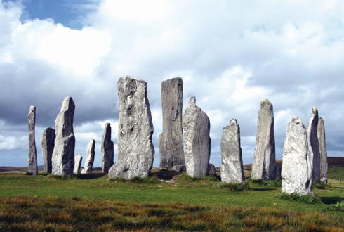 거대한 원형 돌기둥은 5000년 전 천문대!