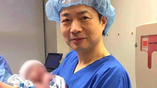 존 장 새희망출산센터 대표가 세계 최초의