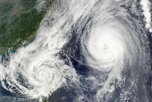 태풍과 인류: 태풍에 대비하는 건강한 마음가짐