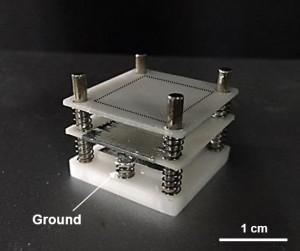 연구진이 개발한 인공 번개 발전기의 모습. - UNIST 제공