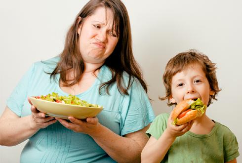 부모의 잘못된 습관이 아이를 비만으로 만든다?!