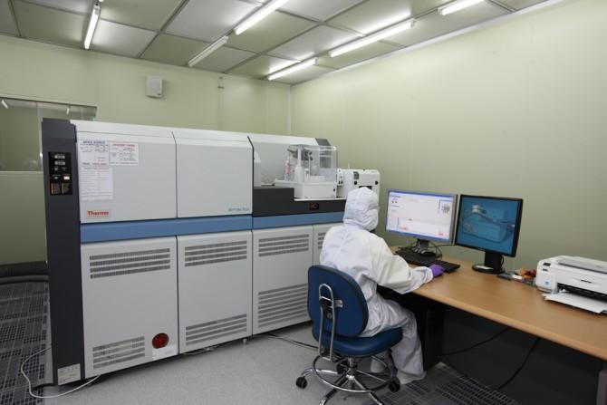 최근 과학연구에 쓰이는 연구장비가 복잡해지면서 이를 운영하는 전문가의 중요성도 커지고 있다(사진은 기사내용과 관련없음). - 한국원자력연구원 제공
