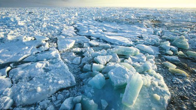 북극해상에 떠 있는 빙하 조각들. - 유럽우주국(ESA) 제공