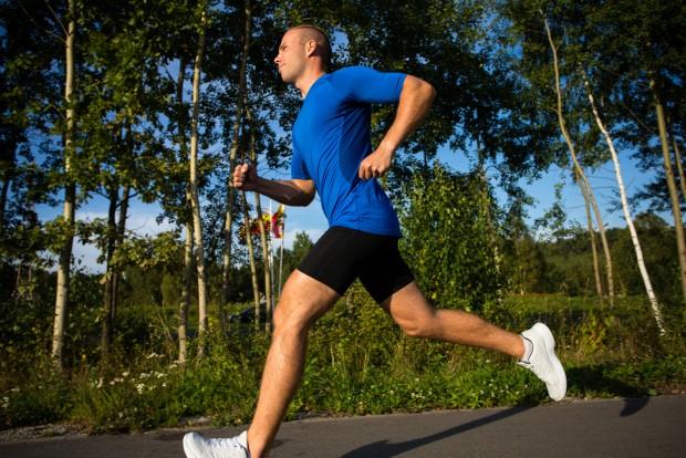 달리기 같은 유산소운동은 남성 건강에 도움이 됩니다. - (주)동아사이언스 제공