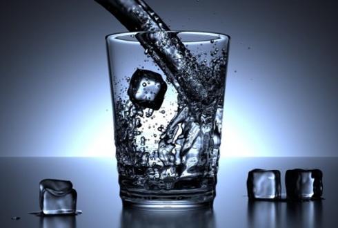 """미네랄수, 실리카수, 수소수… '건강한 물"""" 과연 따로 있나"""