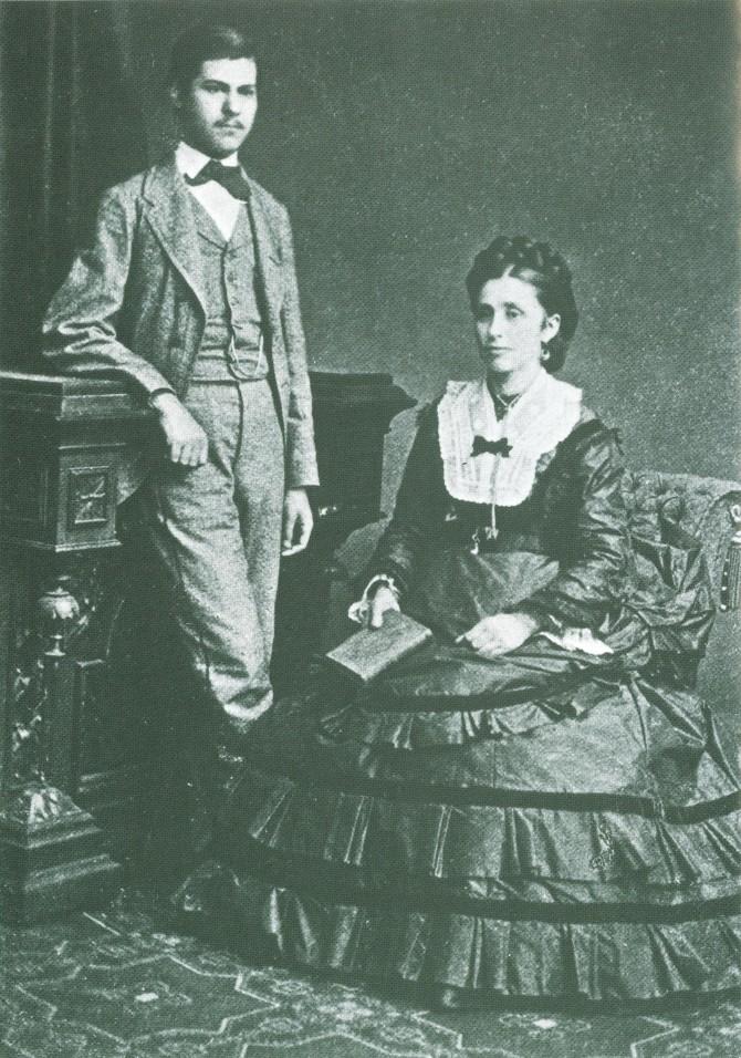 1872년, 16세 경의 지그문트 프로이드와 그의 어머니, 아말리아 프로이트