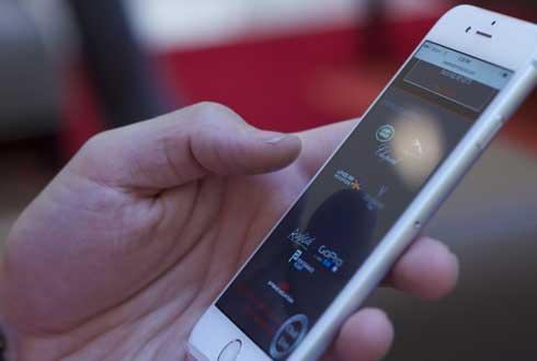 특수안경 없이 스마트폰으로 3D 영상 본다