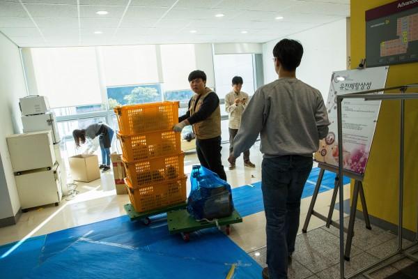 울산과학기술원(UNIST)은 대형 연구동을 준공하고 한창 이사 중이다. 이사는 내년까지 계속되며, 그 비용만 200억 원에 달할 것으로 보인다. - UNIST 제공