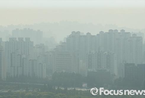 [11일 날씨] 추위 풀리자 몰려온 미세먼지…