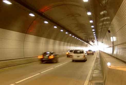 원전-터널 균열 부위가 저절로 메워진다면