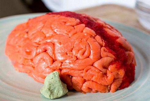 뇌를 먹는 기분? 무서운 초밥