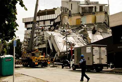 뉴질랜드 규모 7.8 강진으로 최소 2명 사망…구조작업 진행중