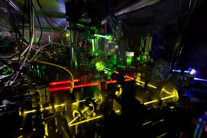 NIST에서 개발한 새로운 원자시계 ZDT의 모습 - NIST 제공