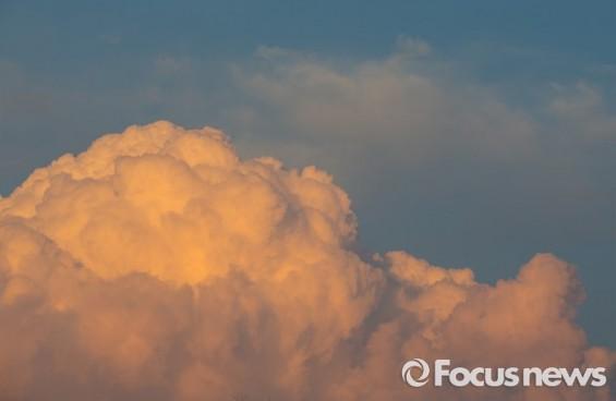 [4일 날씨] 전국 구름 많고, 일부지역 '약한 비'…낮 최고 7~14도 '포근'