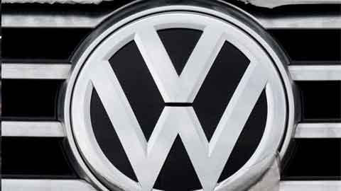 판매량 '0' 기록한 폭스바겐…극명해진 수입車 판도