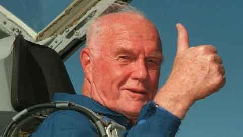 미국 최초 지구궤도 비행 우주인 존 글렌 사망