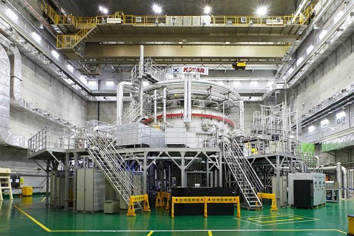 대전 국가핵융합연구소 내에 있는 한국형 초전도핵융합장치