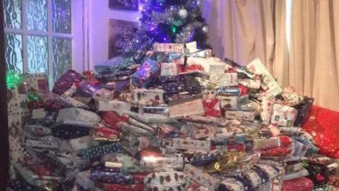 엄마가 준비한 산더미 크리스마스 선물 '논란'