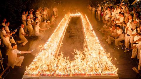 생일 케이크에 촛불이 7만개 '세계 기록'